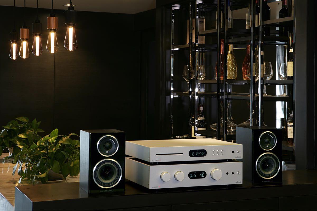 nieuwe Audiolab 6000A met DAC en 6000CD loopwerk